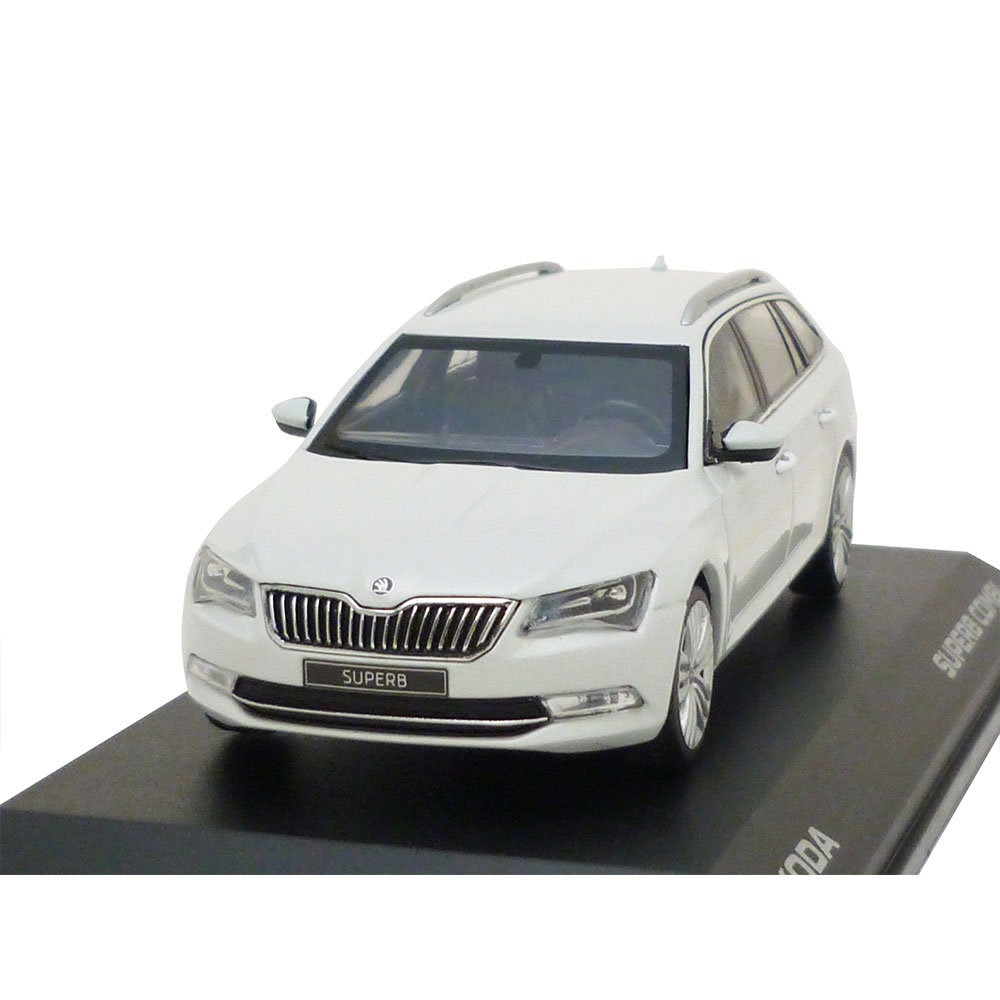 skoda superb combi iii 3v 1 43 moon wei white 3v9099300. Black Bedroom Furniture Sets. Home Design Ideas